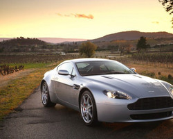 VB Prestiges - Beauvallon - Aston Martin V8 Vantage